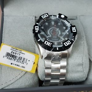 NWT authentic invicta watch